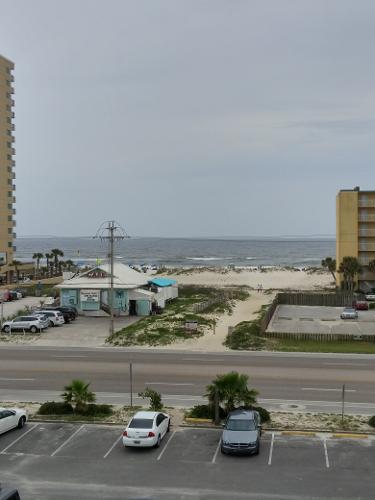 Book Beachside Resort Hotel, Gulf Shores From $69/night