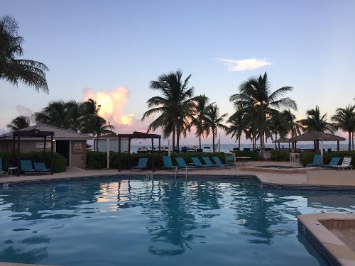 Holiday Inn Cayman Islands Reviews