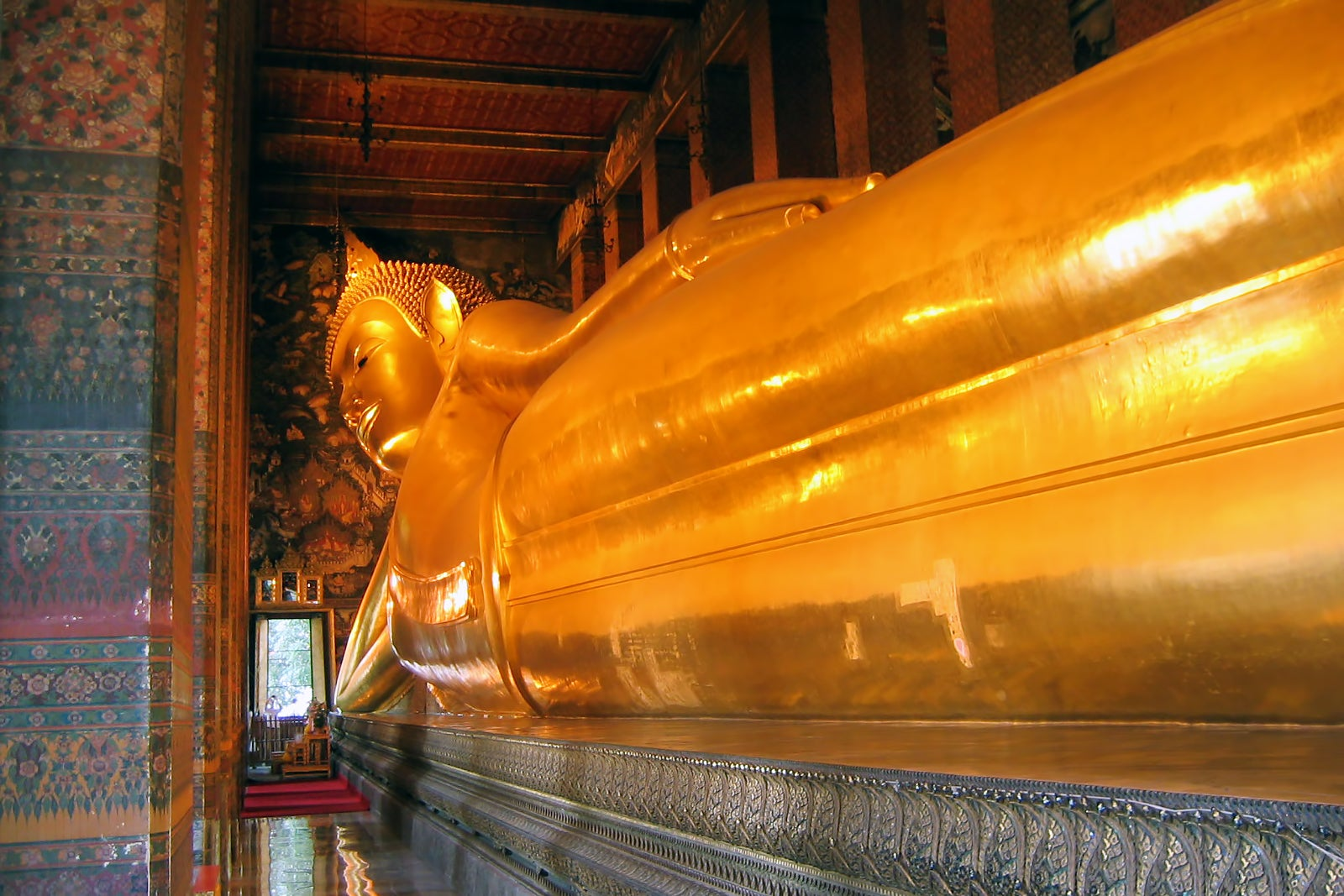 Wat Pho in Bangkok - The Temple of the Reclining Buddha
