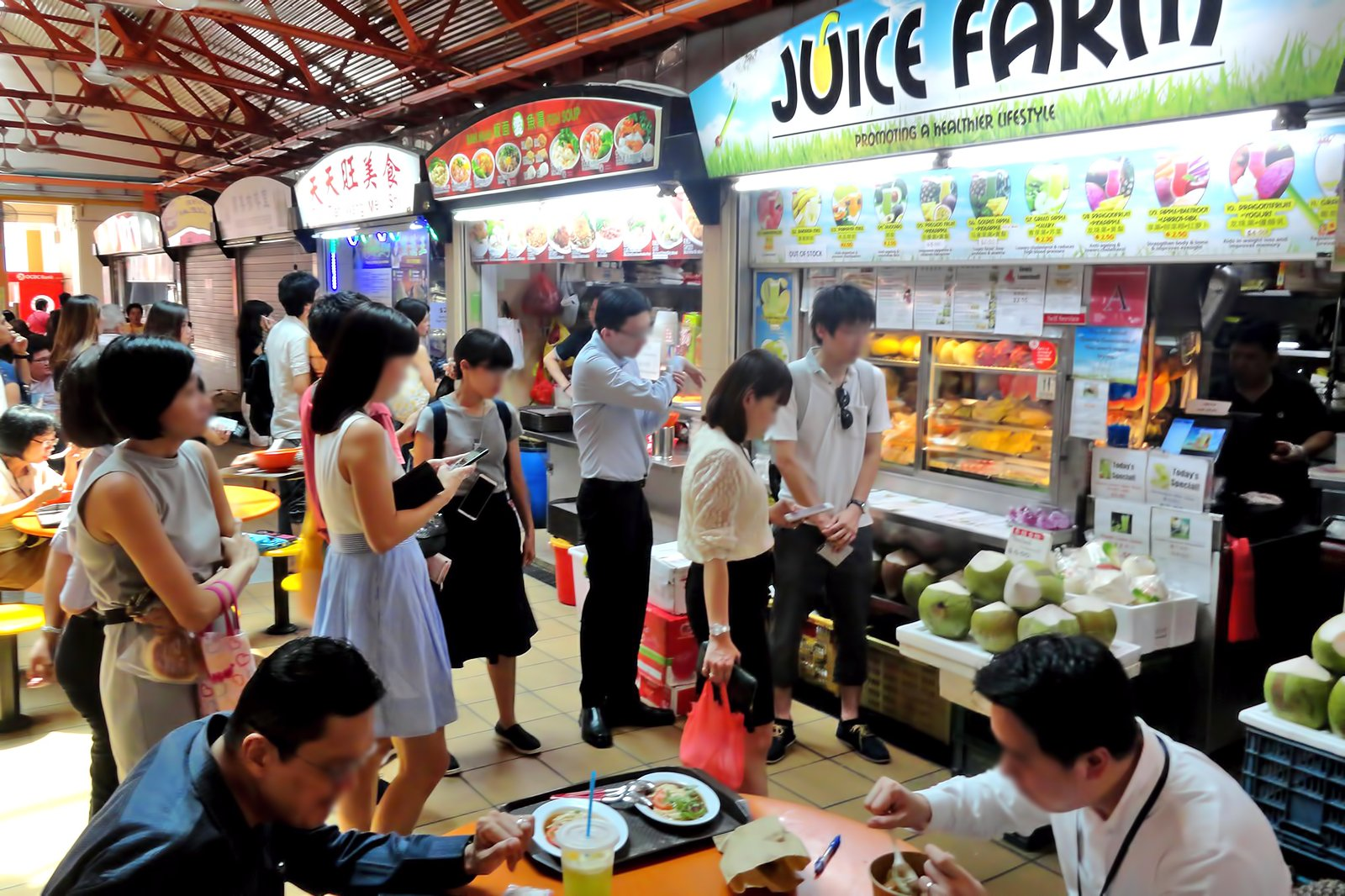 Maxwell Hawker Center in Singapore - Famous Food Court in Chinatown