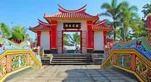 Klenteng Ling Gwan Kiong