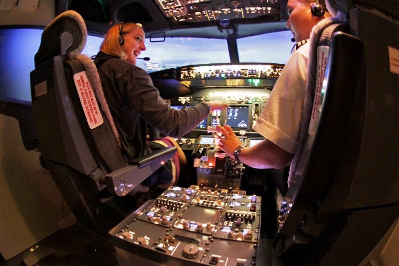 Flight Experience Bangkok - Bangkok Flight Simulator in Sukhumvit – Go  Guides