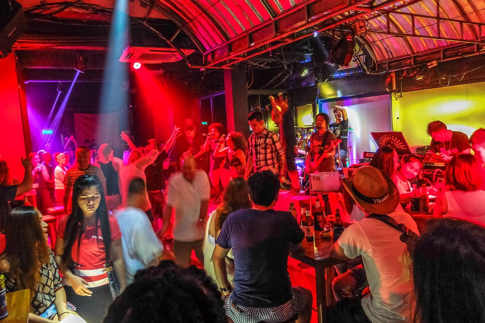 7 Best Live Music Bars in Phuket - Best Places for Phuket Live Music