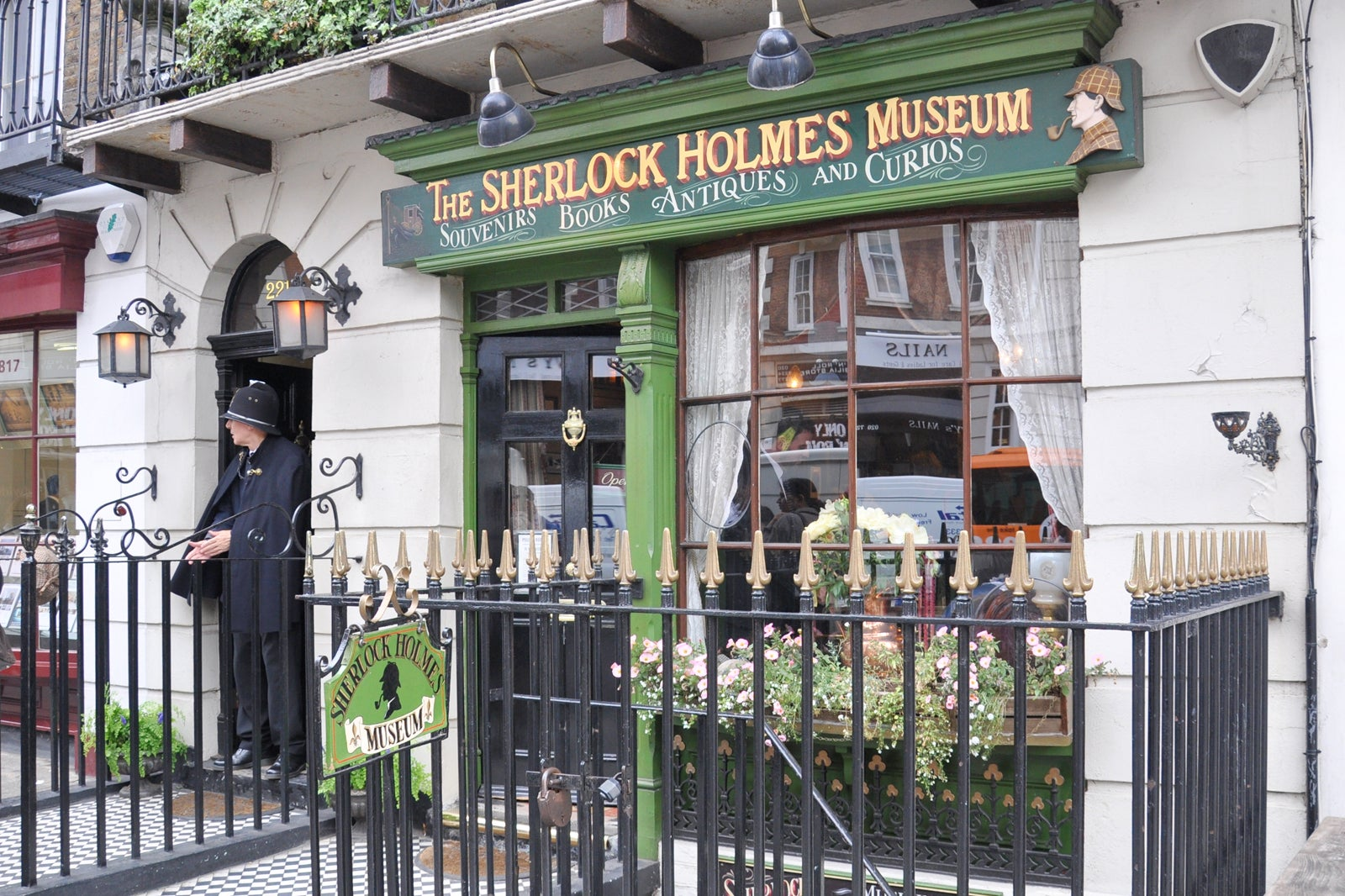 10 Alternative Museums in London that Only Locals Know - Explore a  Different Side of London - Go Guides