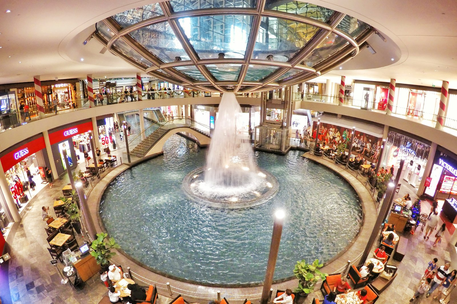 7 Best Places to Go Shopping at Marina Bay - Where to Shop