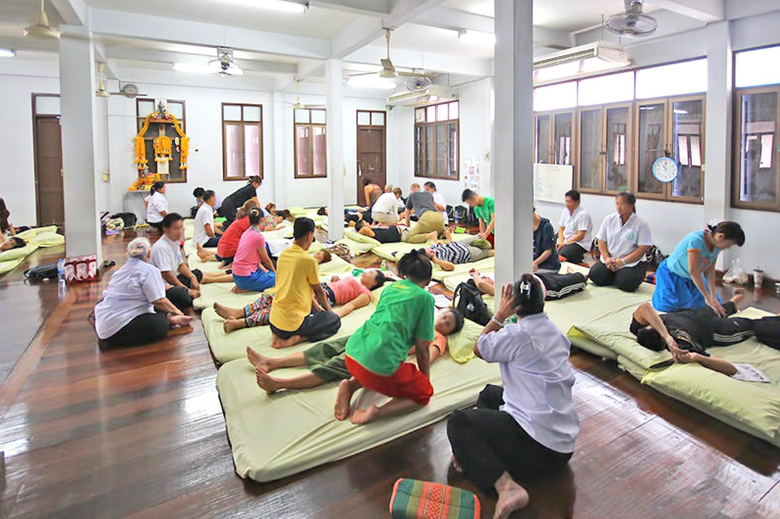 Chetawan Wat Pho Thai Massage School - Learn Traditional Massage in Bangkok  – Go Guides