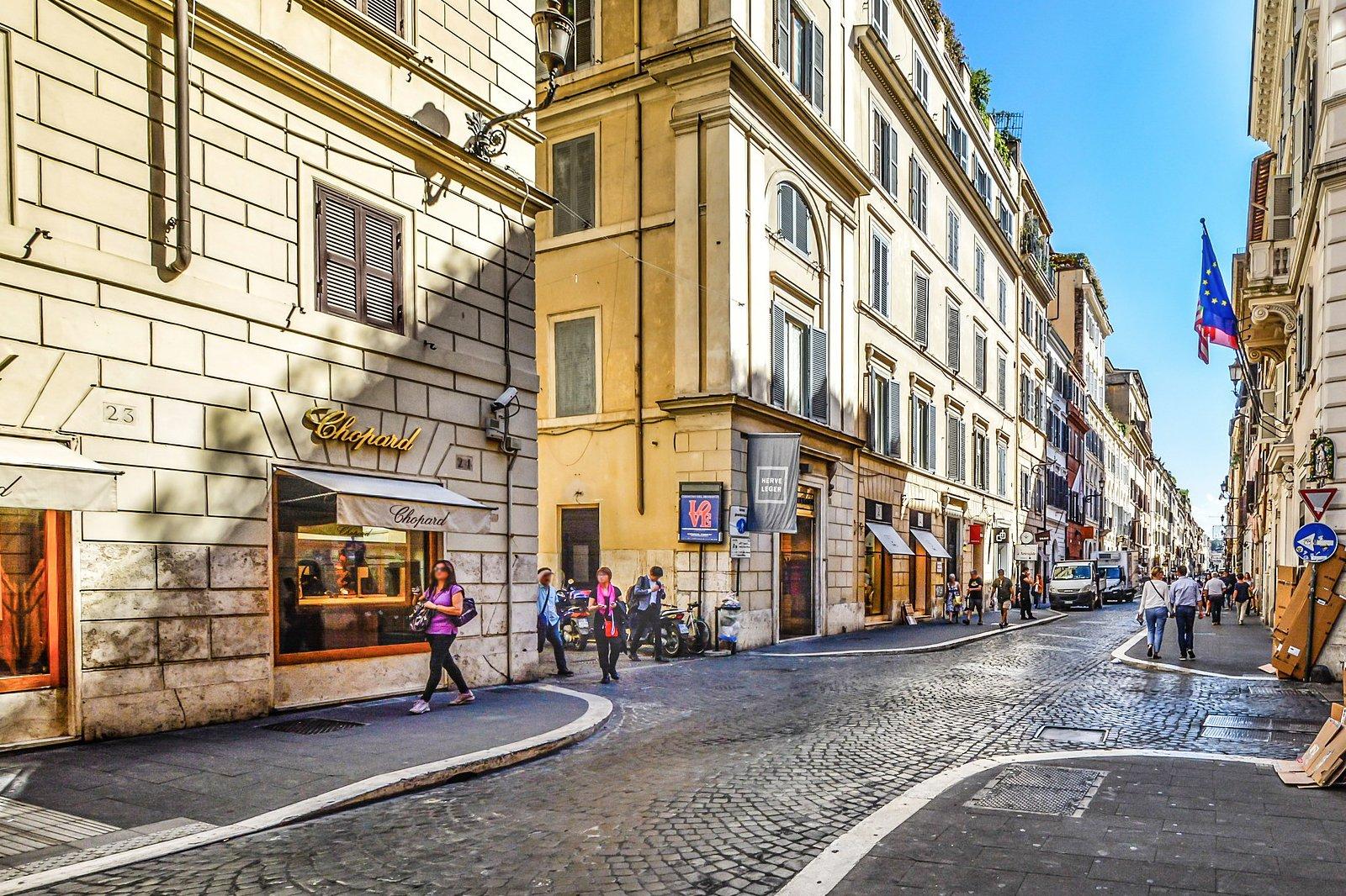 I 4 migliori outlet di Roma Dove acquistare abiti griffati