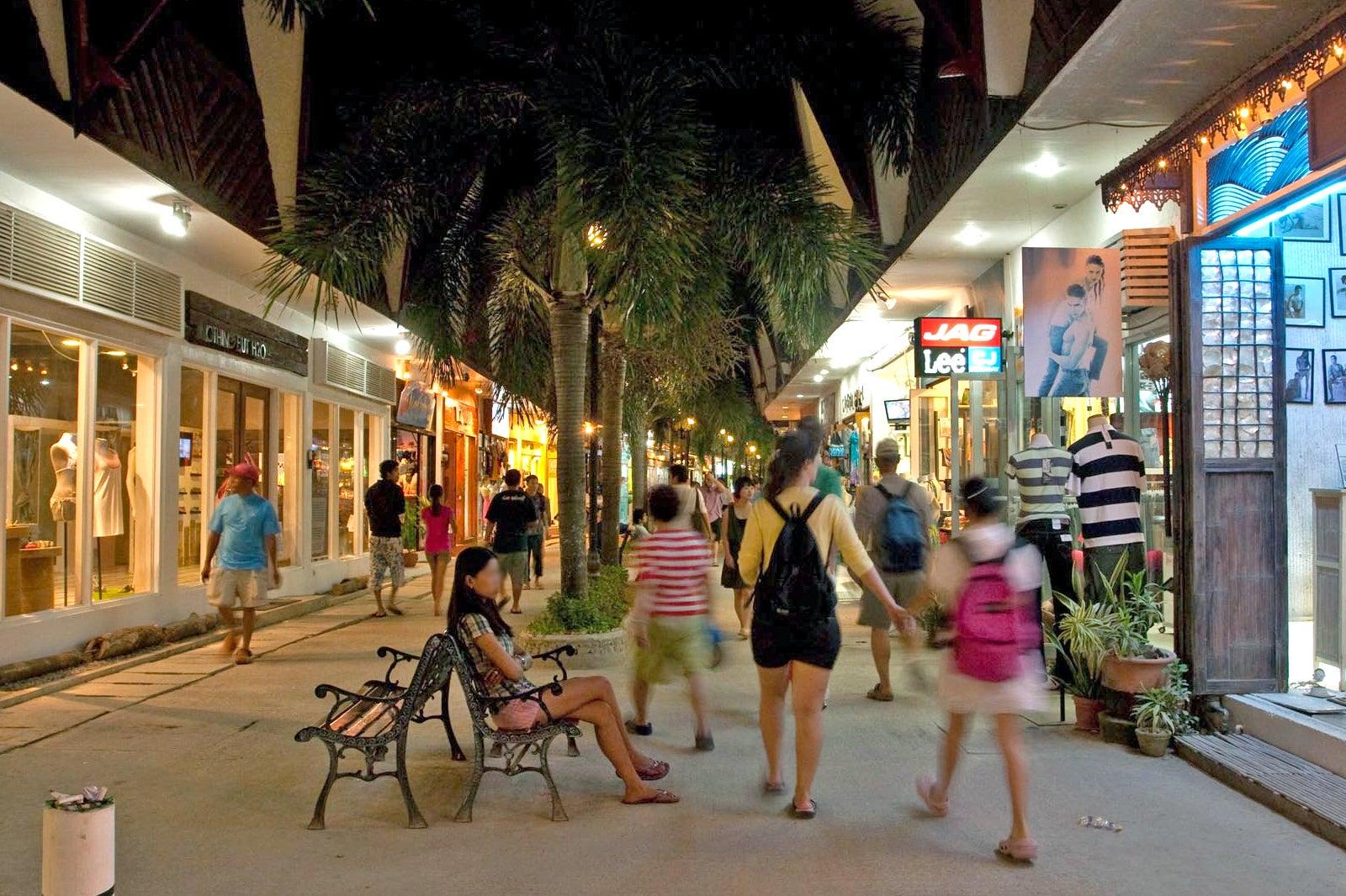 Que ver, hacer y visitar en D'mall de Boracay