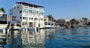 Pláž Barra de Navidad