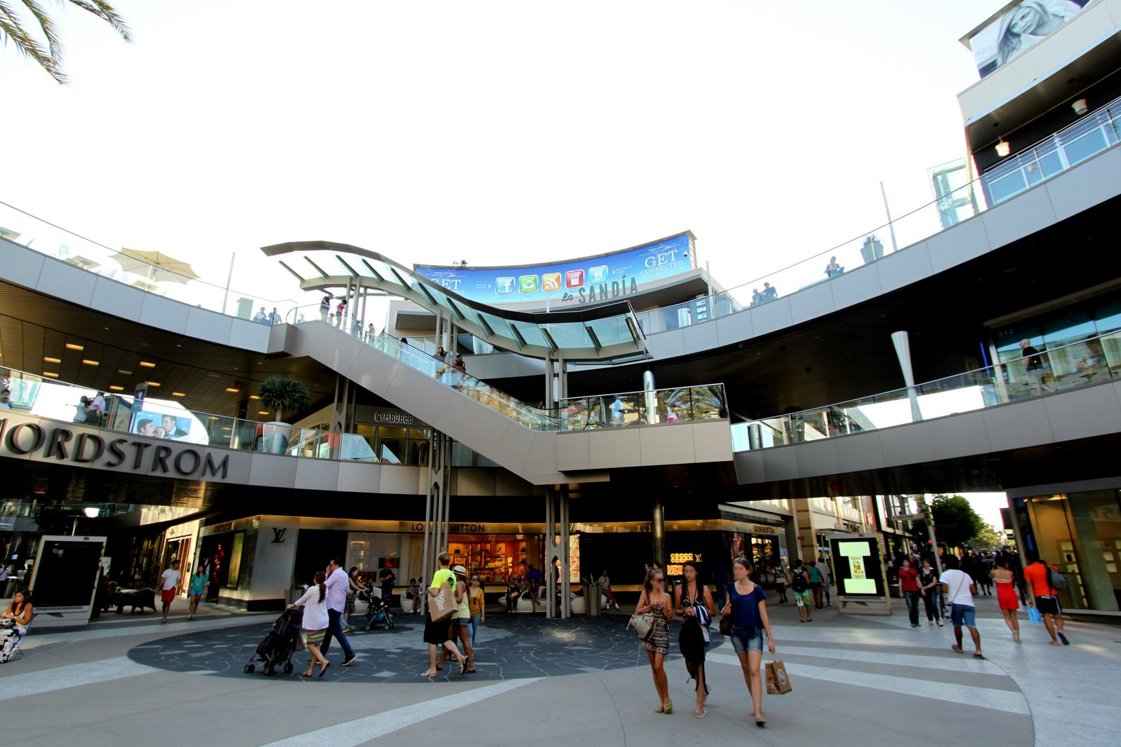 10 Best Shopping Malls in Los Angeles - Where to Shop 'til