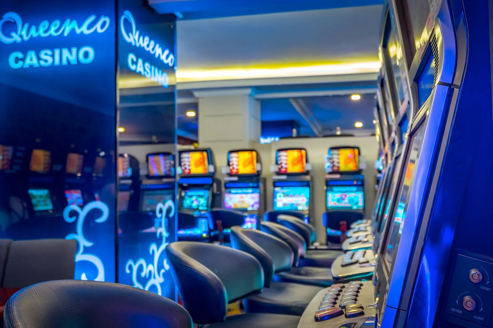 Play online casino slots for free