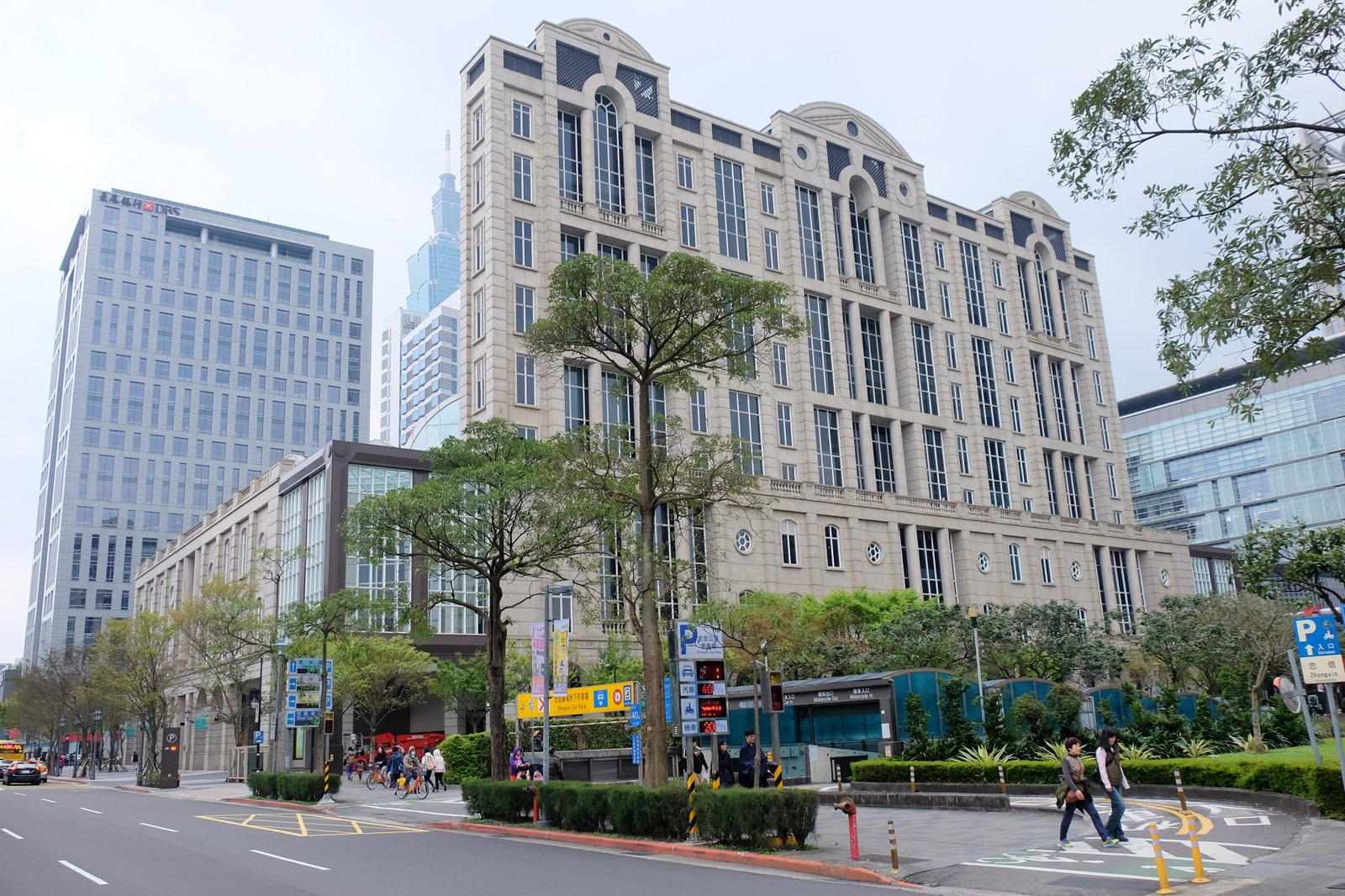 35bab54c8be 20 Best Places to Go Shopping in Taipei - What to Buy and Where to ...