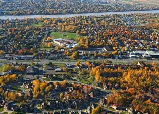 Броссар, Квебек, Канада