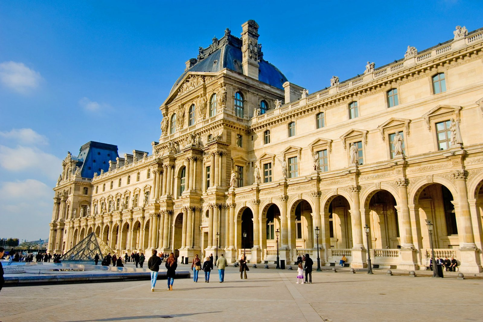How to Plan a Visit to the Louvre Museum - Tips for Your