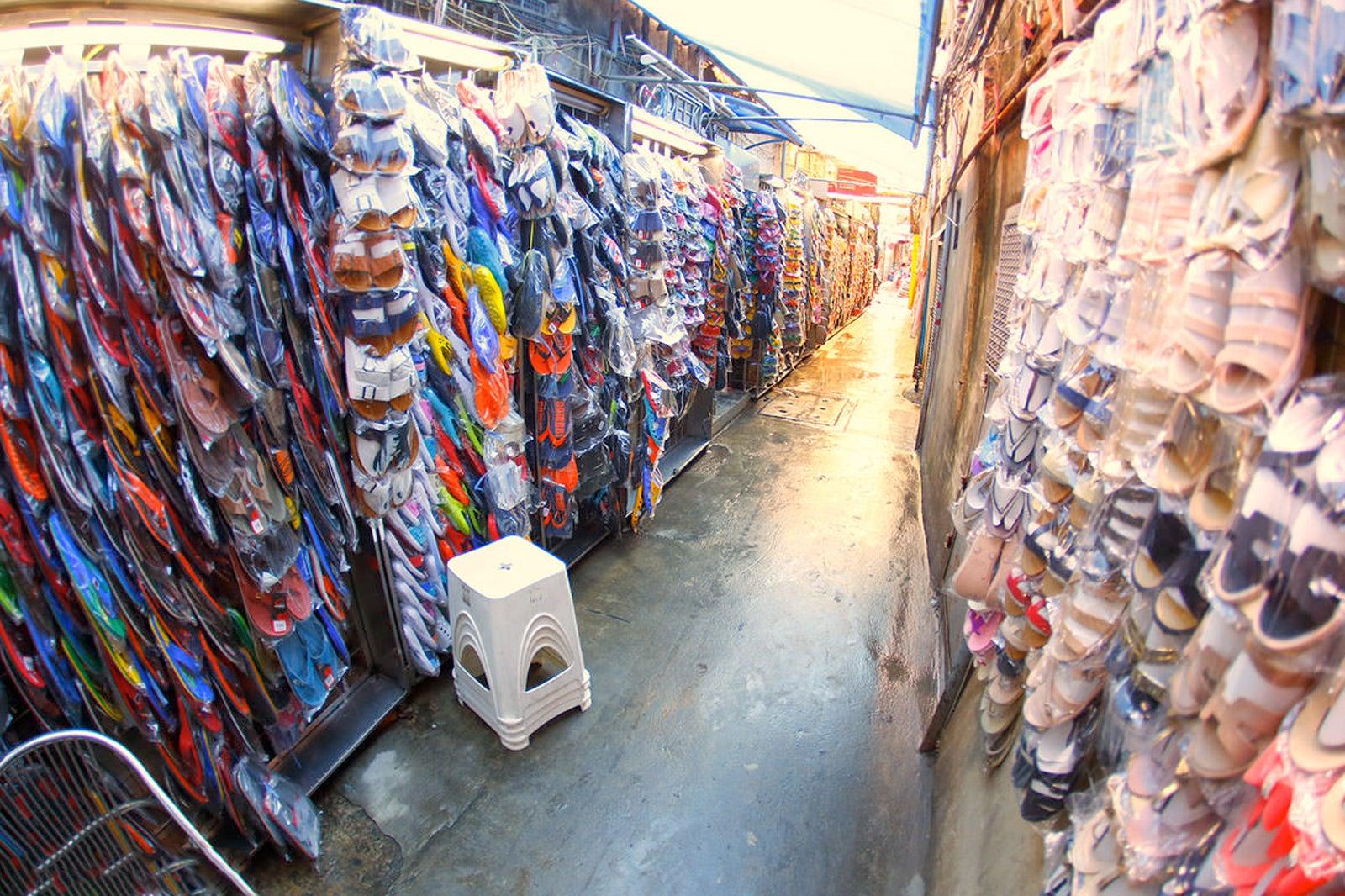 Sampeng Lane Market in Bangkok - Street Market in Chinatown Bangkok – Go Guides