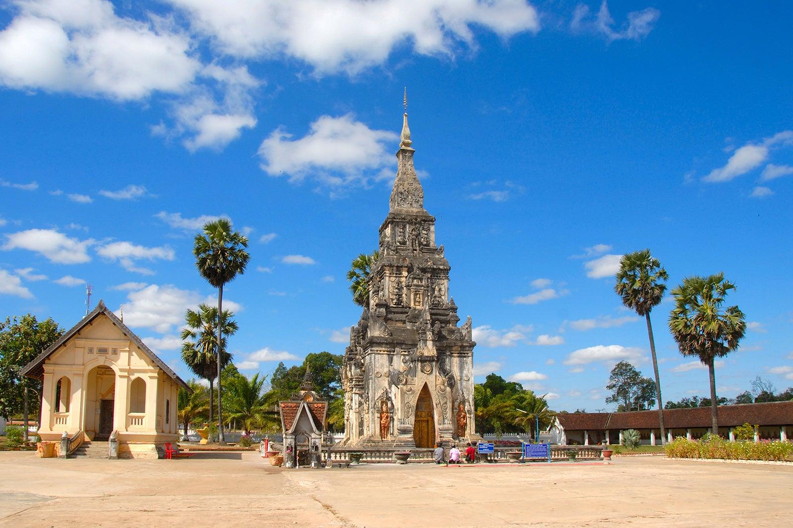 That Ing Hang Stupa in Savannakhet - Savannakhet Attractions