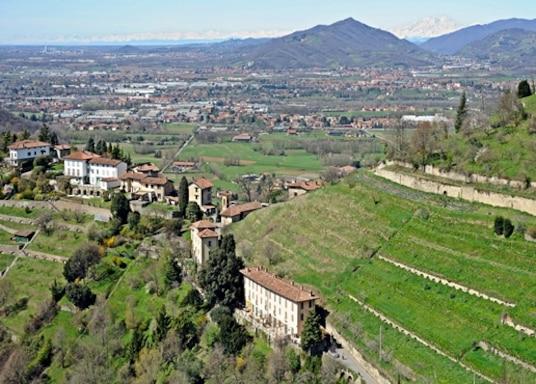 卡爾達諾阿爾坎波, 意大利