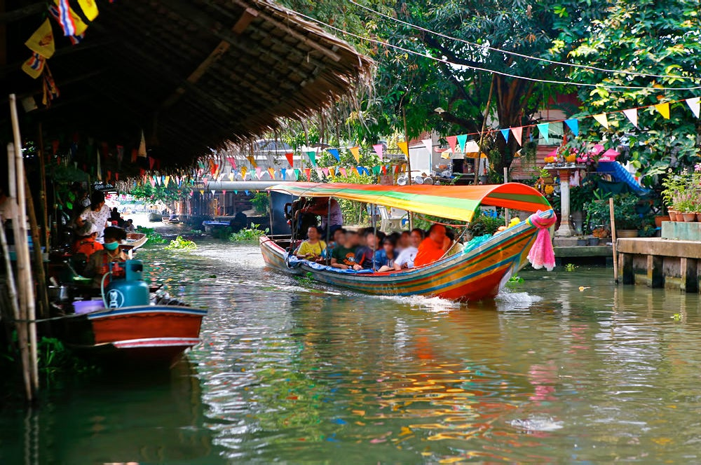 Khlong Lat Mayom Floating Market - Traditional Floating Market Near Bangkok – Go Guides