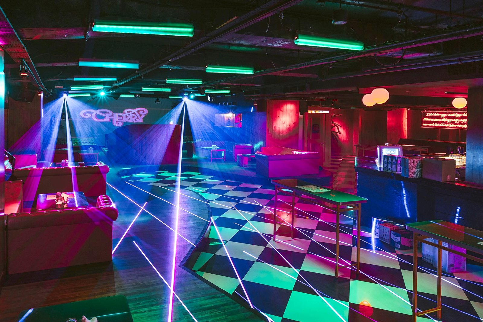 7 Best Singapore Clubs - All the best nightclubs and discos