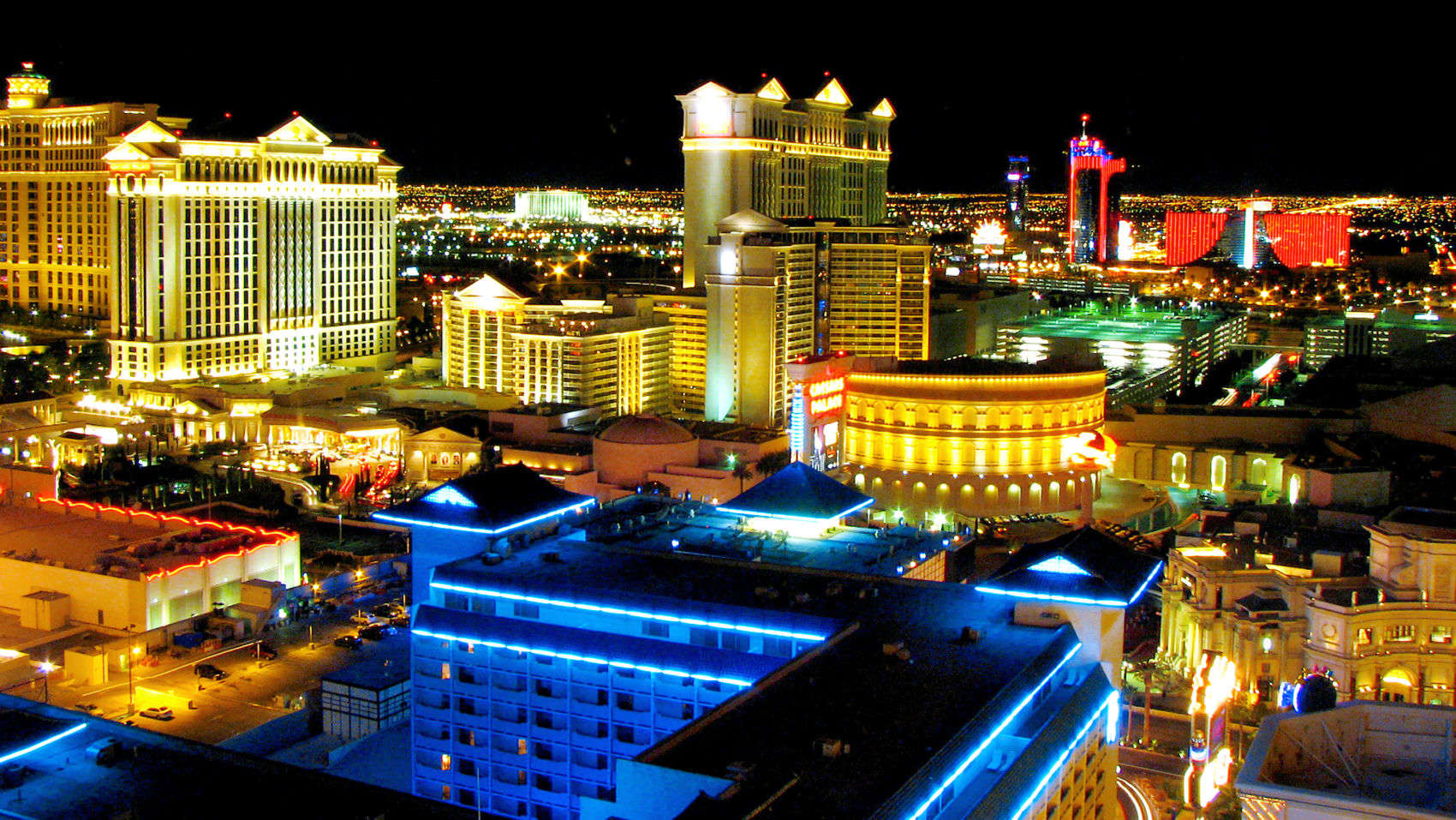 15 Closest Hotels To Colosseum At Caesars Palace In Las Vegas