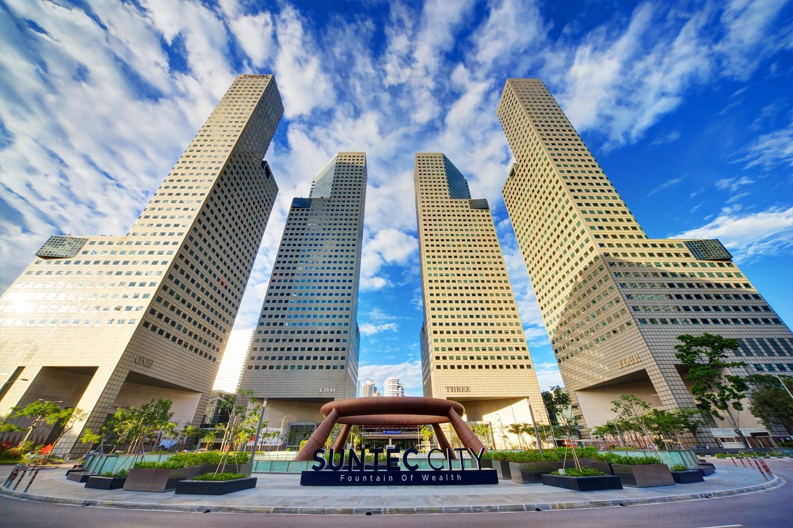 Suntec City - Singapore Shopping Complex