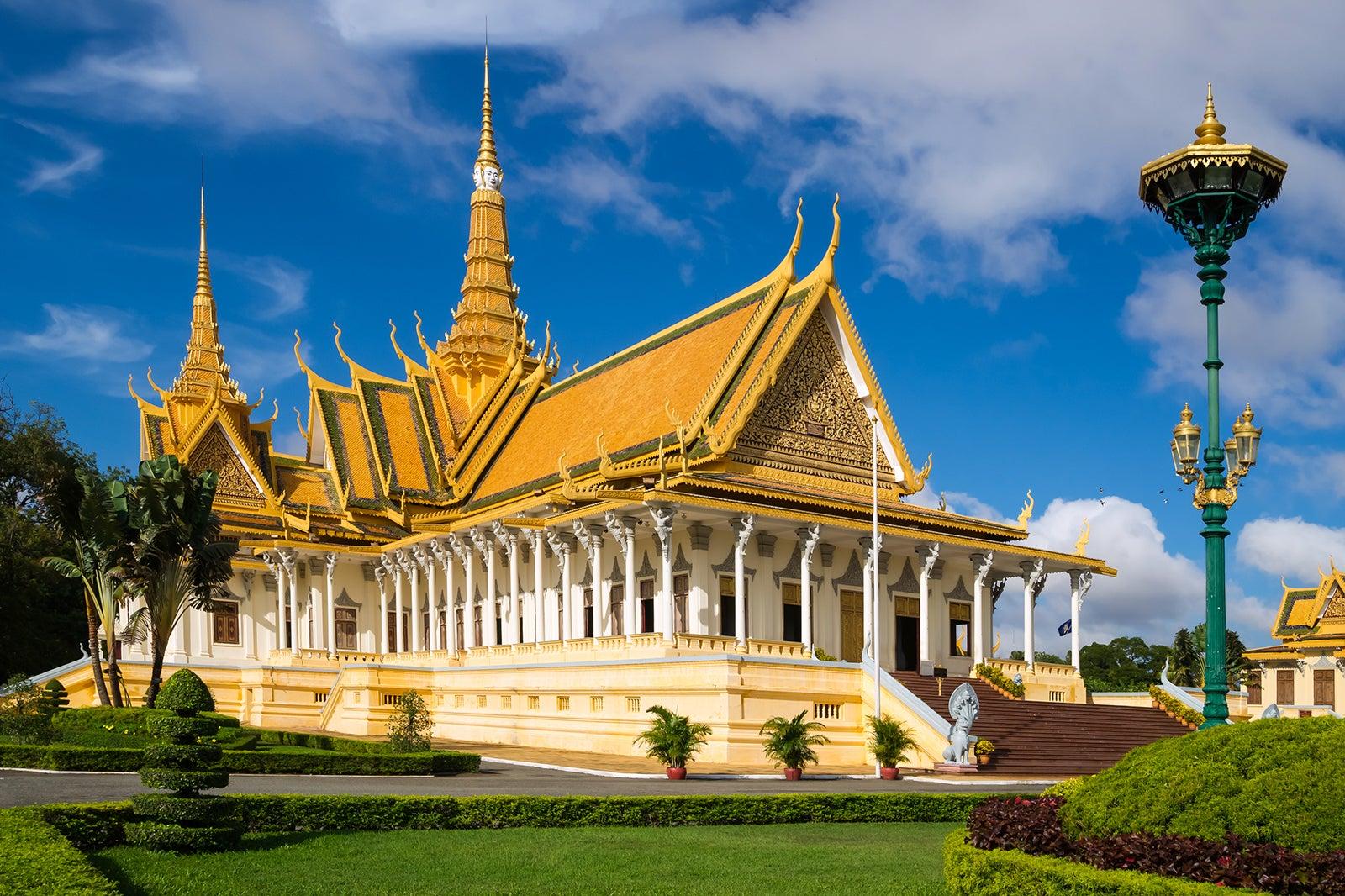 Phnom Penh Royal Palace and Silver Pagoda - Residence of the ...