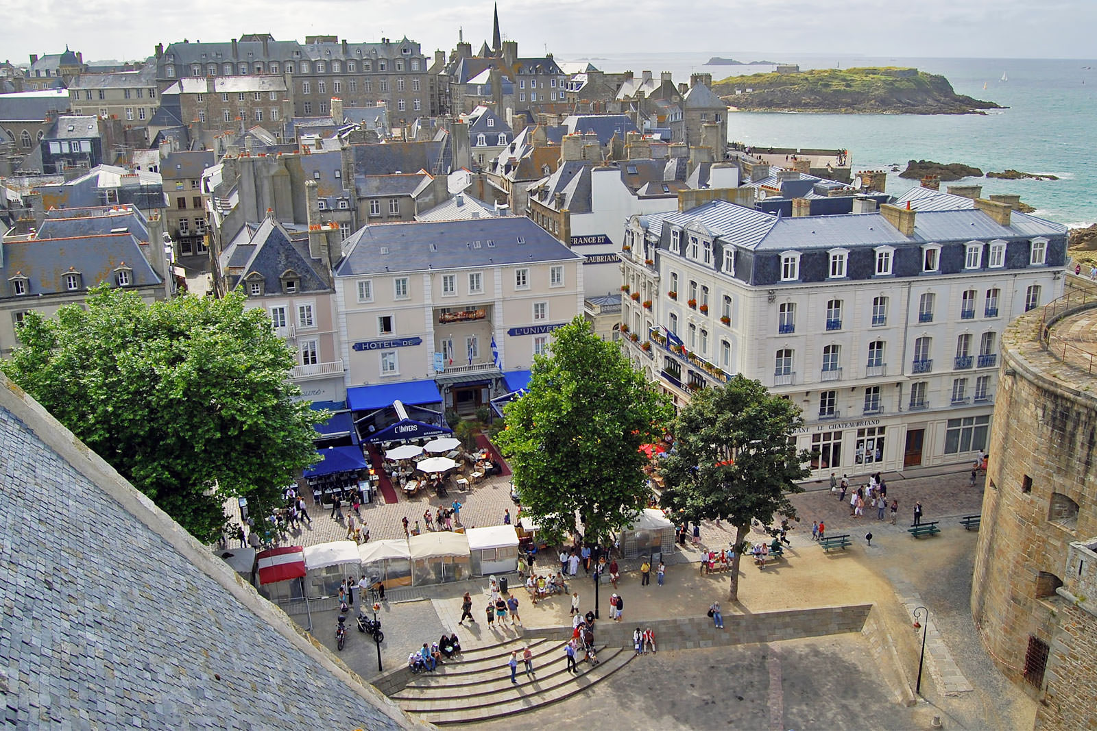 10 Best Things to Do in Saint-Malo - What is Saint-Malo Most ... Saint Malo Brittany France World Maps on saint-malo france and doerr, saint-malo france money, saint laurent gulf map, normandy brittany france map, saint-malo france during wwii, st malo map, nantes brittany france map, san malo map, morbihan brittany france map,