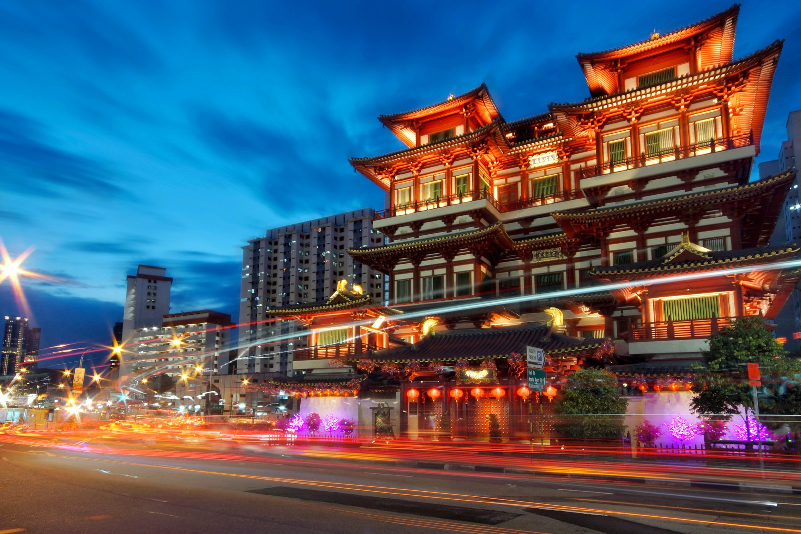 12 Best Night Spots in Chinatown - Where to Go at Night in
