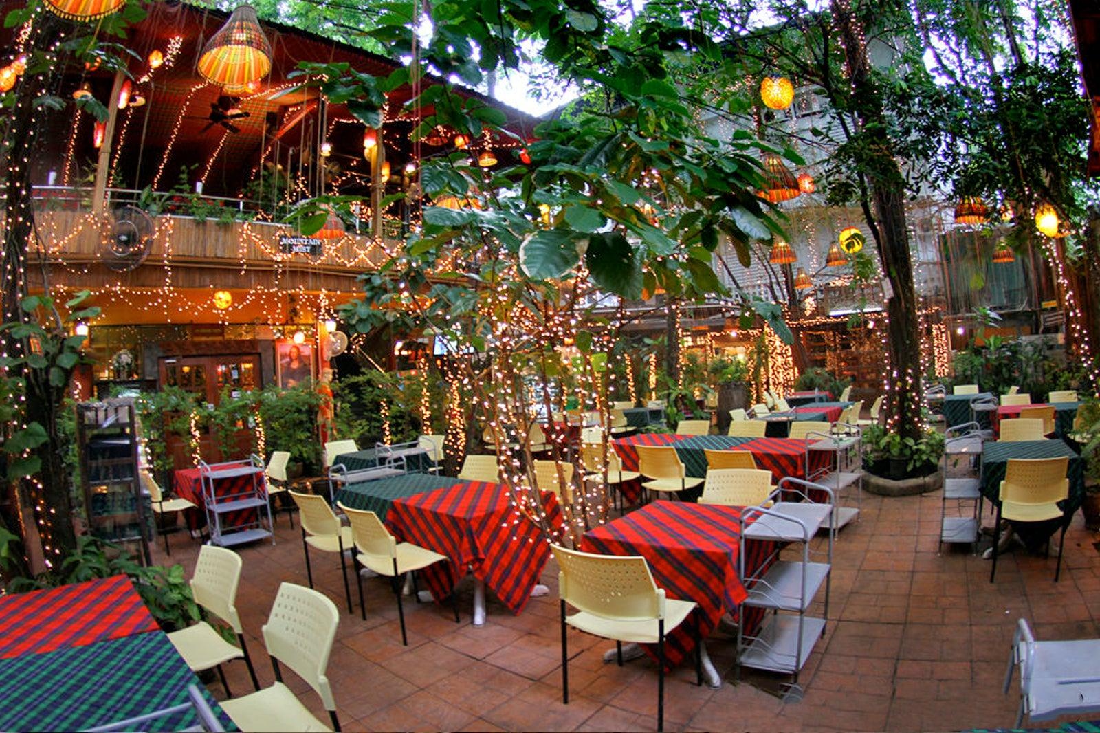 Cabbages & Condoms in Bangkok - Quirky Thai Restaurant in Sukhumvit