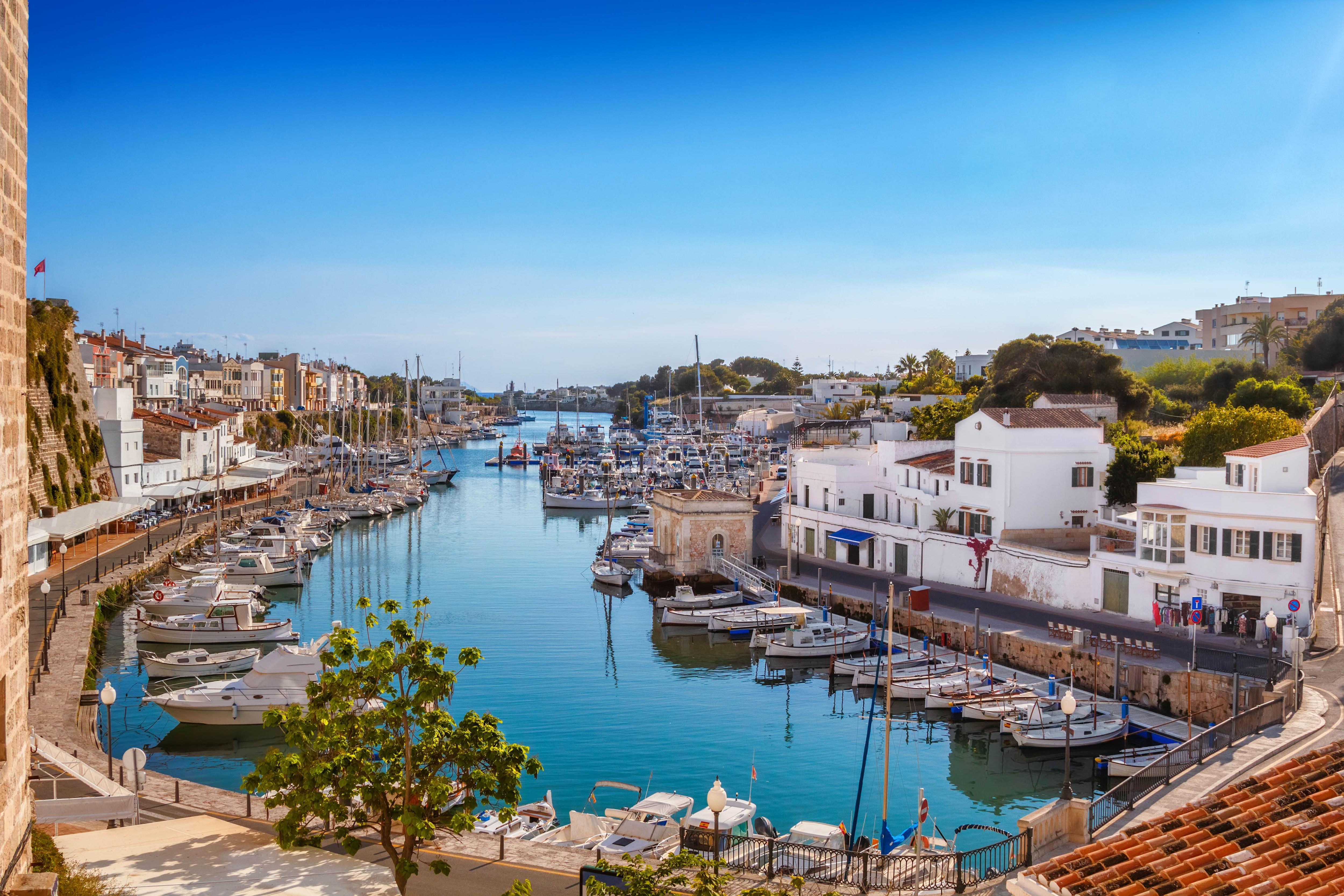 Sjutadeļa de Menorka, Spānija