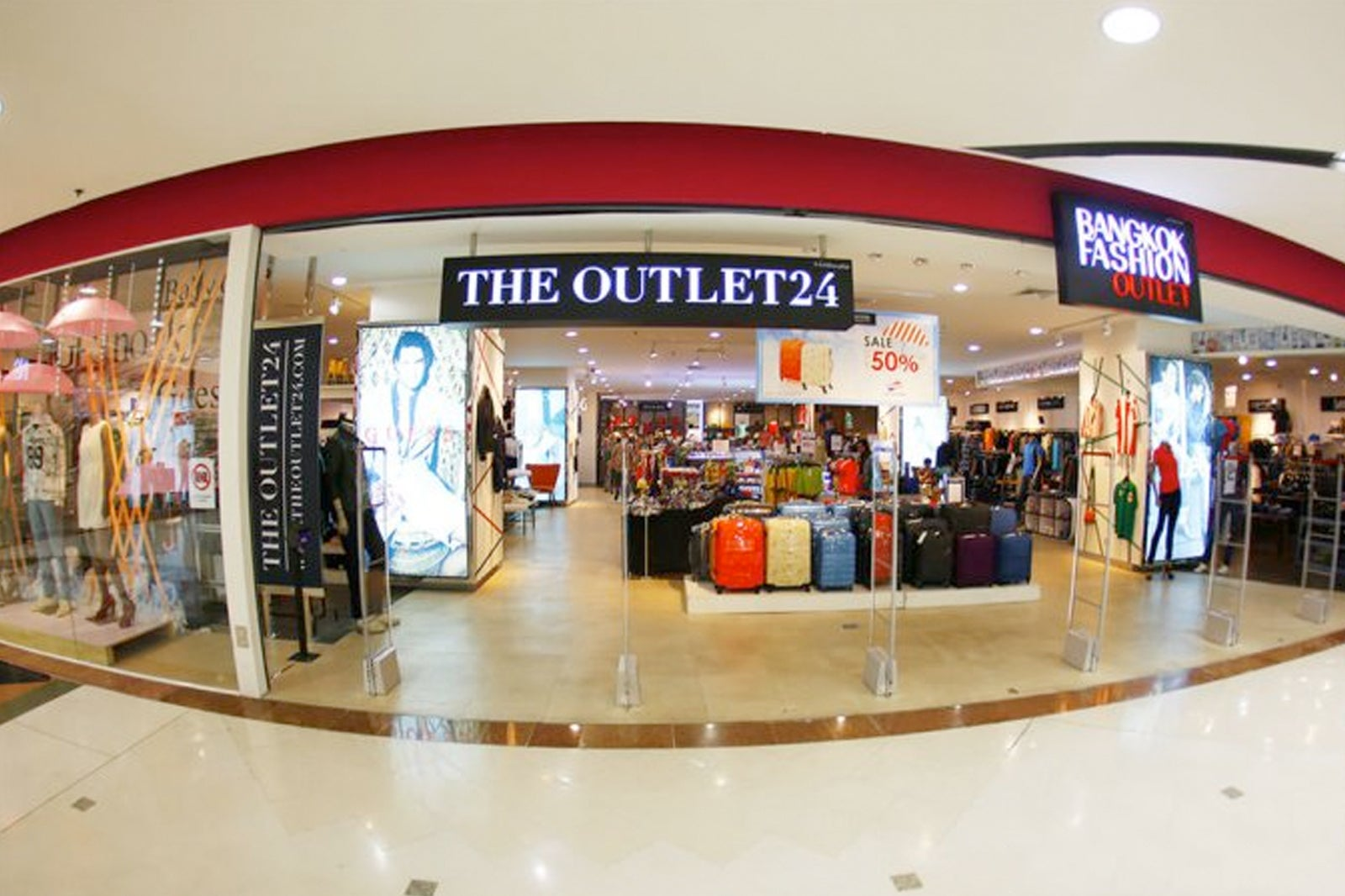 habla entidad Templado  4 Best Outlet Stores at Bangkok Fashion Outlet - Where to Shop for Fashion  at the Jewelry Trade Center Mall