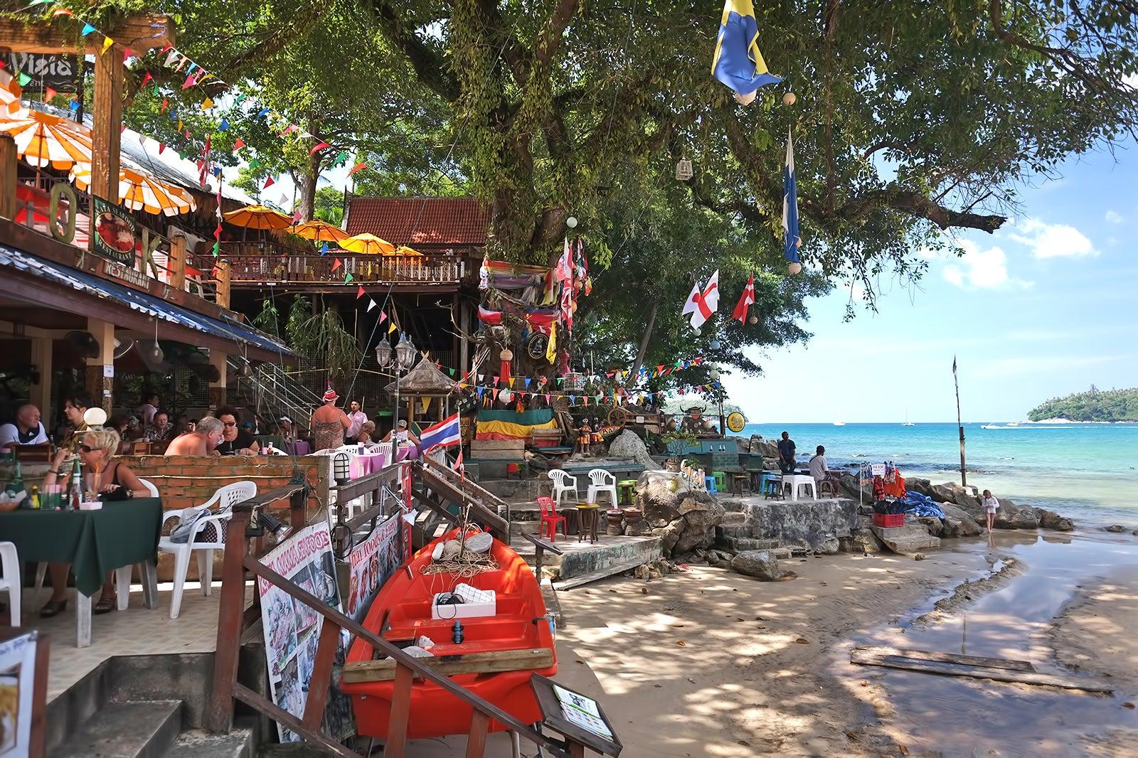Kata Beach Happy Ending