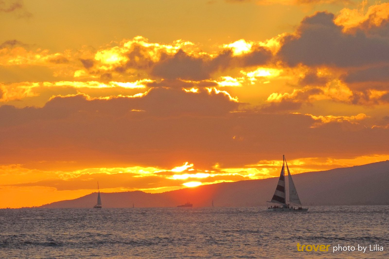 9 Romantic Ideas For A Honeymoon In Honolulu What To Do On A