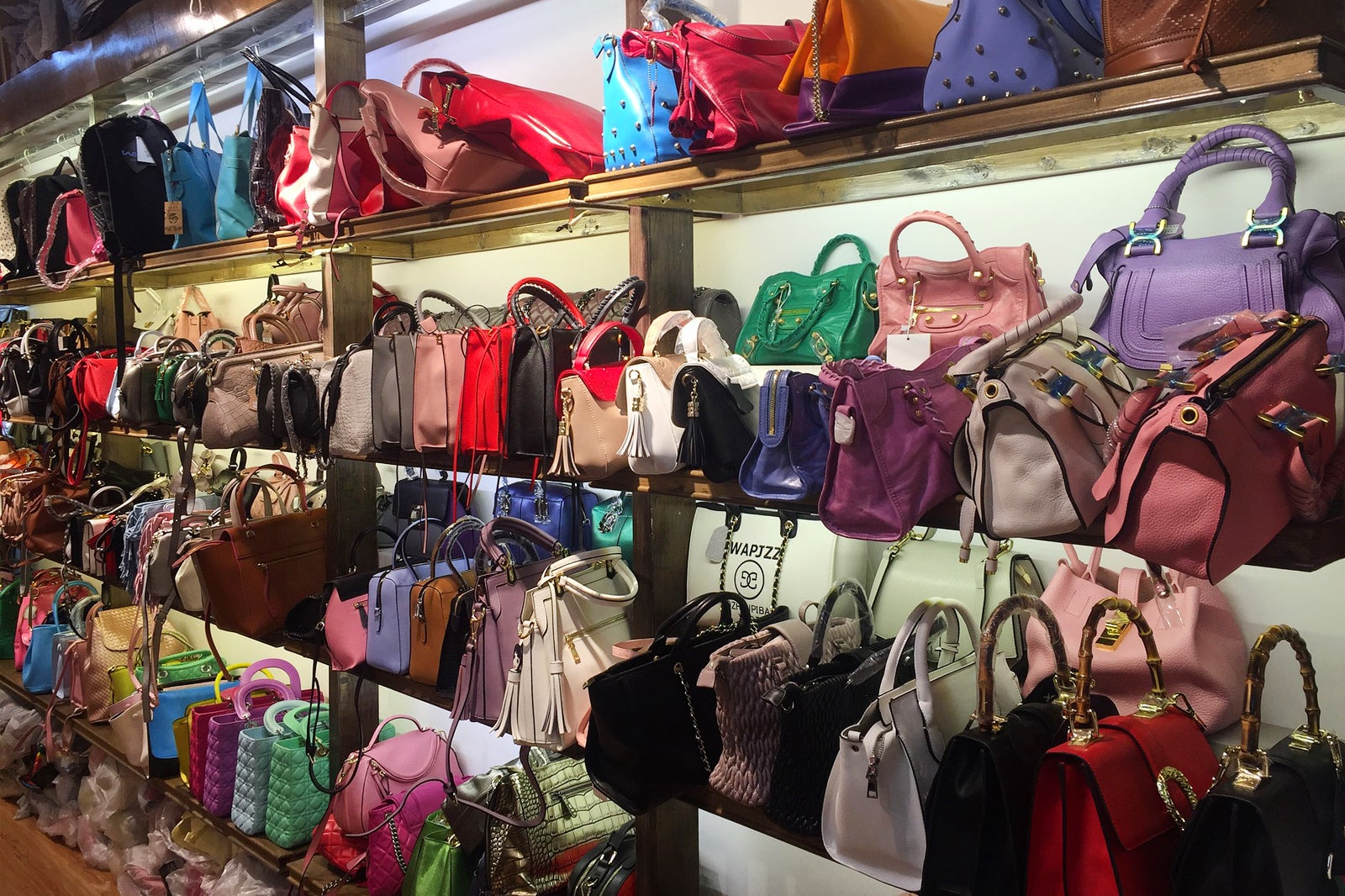 How To Identify Authentic Louis Vuitton Bags Couture Usa >> 5 Second Hand Designer Bag Shops In Bangkok Where To Buy