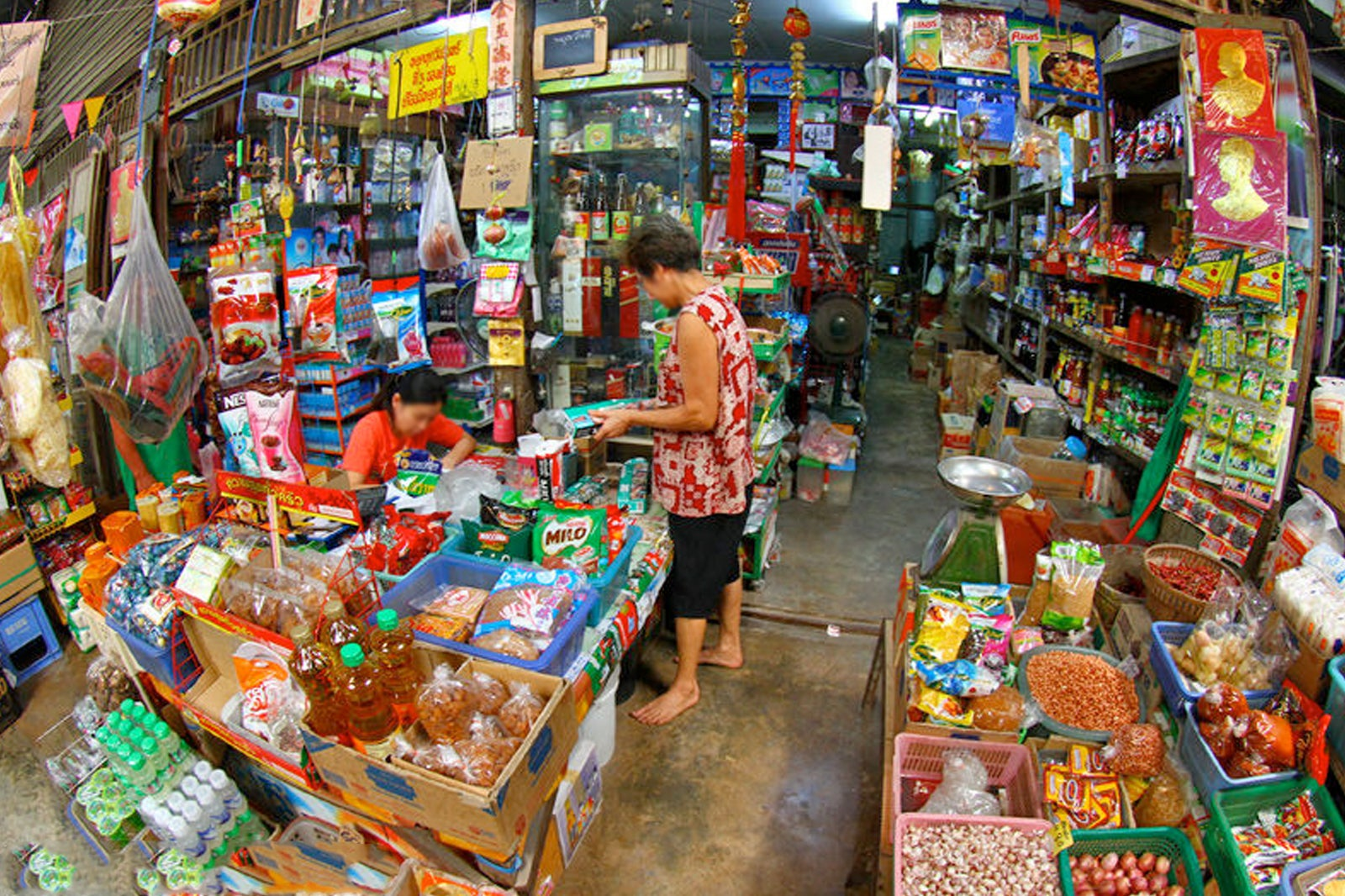 Klong Suan 100 Years Market - Amazing Riverside Market Frozen in Time - Go Guides
