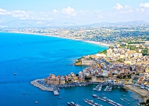 阿爾卡莫濱海, 意大利