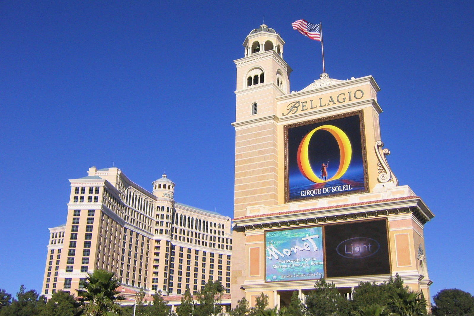 Bellagio Hotel And Casino In Las Vegas An Elegant Italian Inspired Casino Hotel On The Strip Go Guides