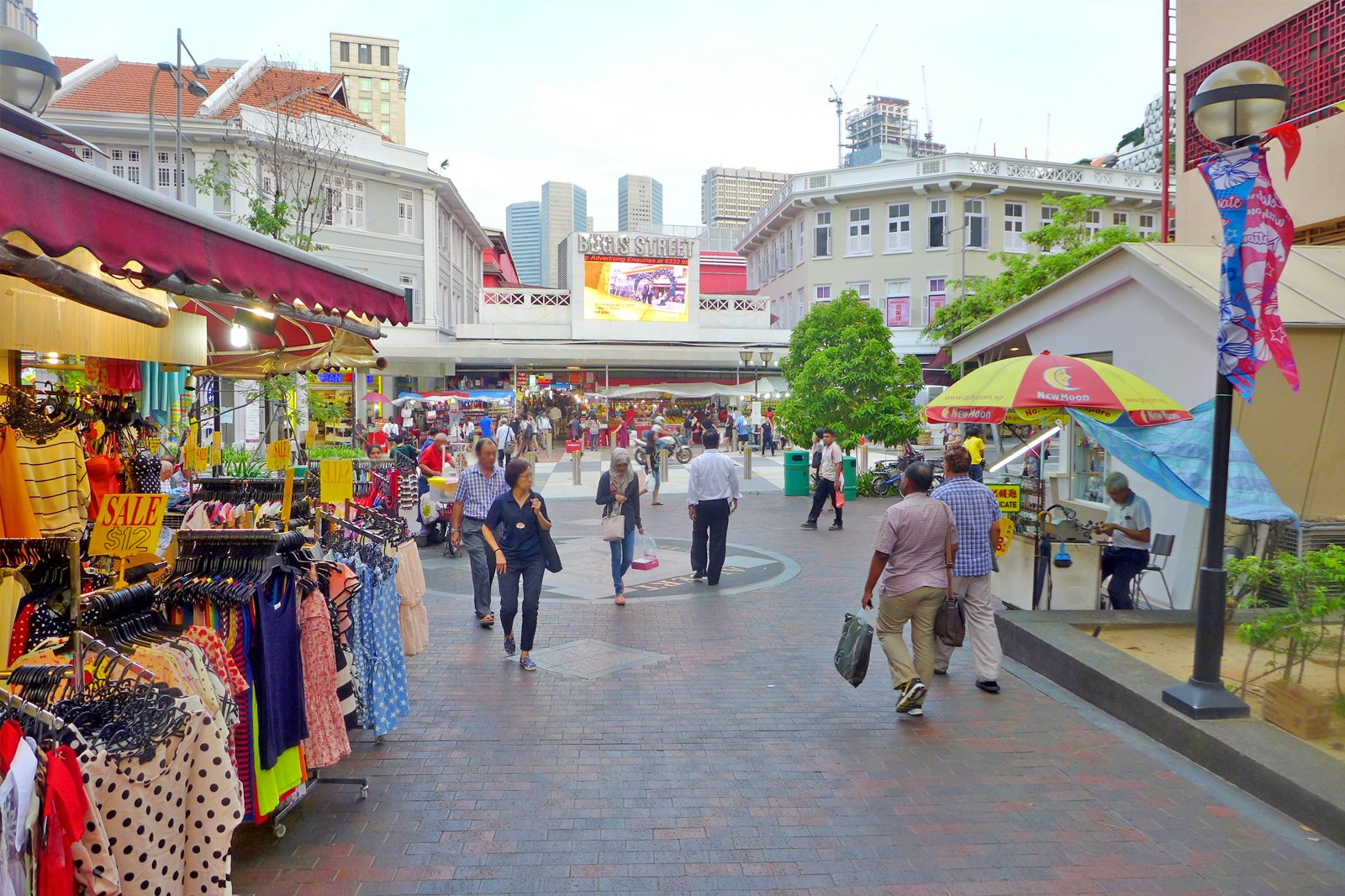 Bugis Street Market - One of the Biggest Markets in Singapore
