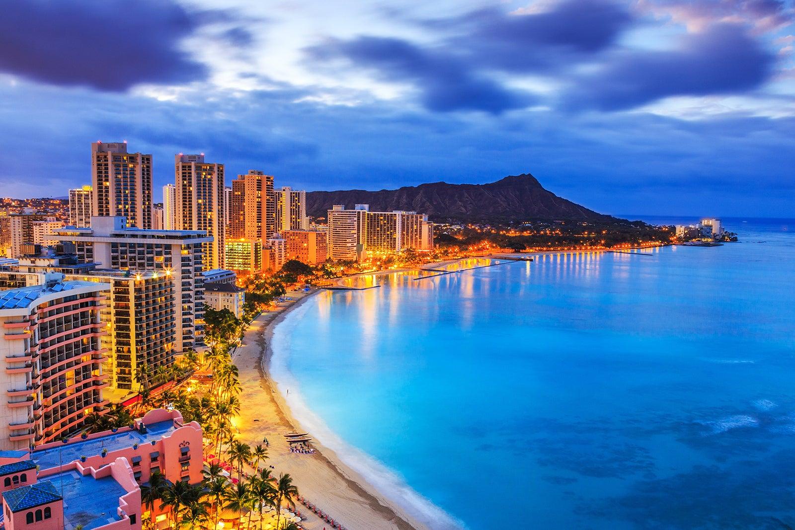 Waikiki Beach The World Famous Beach Of Honolulu Go Guides