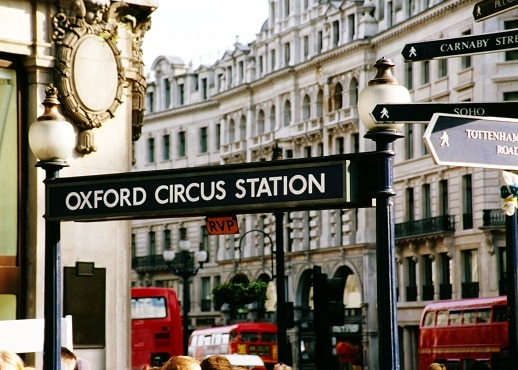 15 closest hotels to oxford street in london hotels com rh hotels com