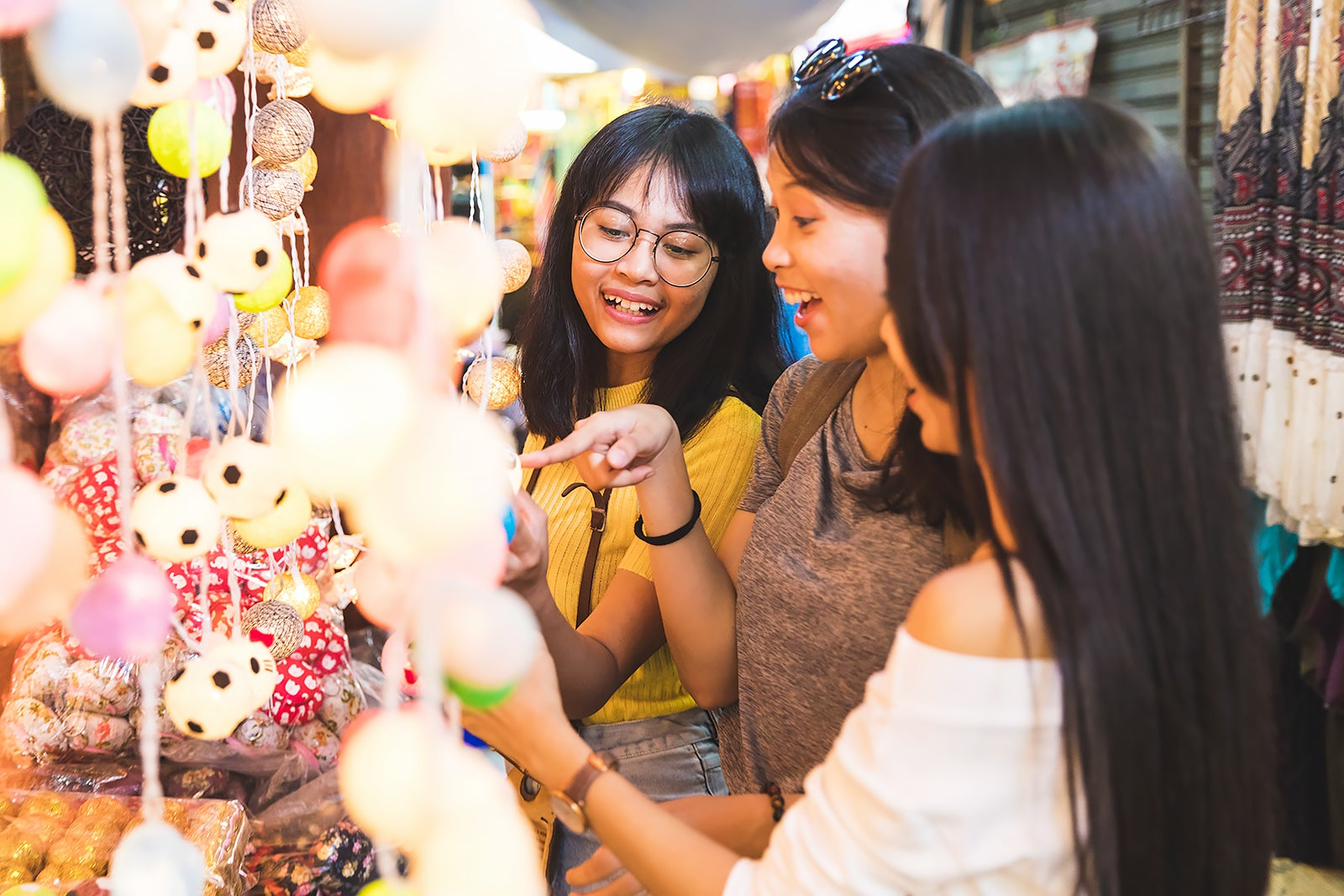 10 Best Places to Go Shopping in Pratunam - Where to Shop