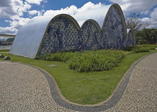 벨루 오리존치, 브라질