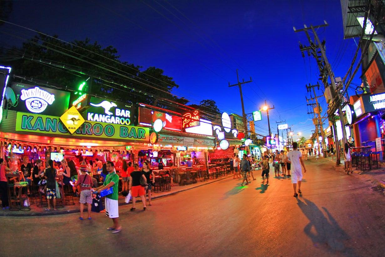 [Chia sẻ] Khám phá du lịch Soi Bang la Road, Bãi biển Patong, Phuket, Thái Lan